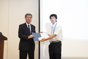 Dr. Obata (left) honored Dr. Endo (right), with the ANRRC Best Poster Award.